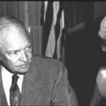 Były konsultant Pentagonu twierdzi, że prezydent Eisenhower miał 3 tajne spotkania z obcymi